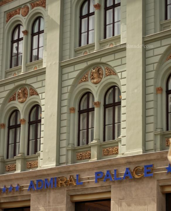 Admiral Palace- Zeuge längt vergangener Tage